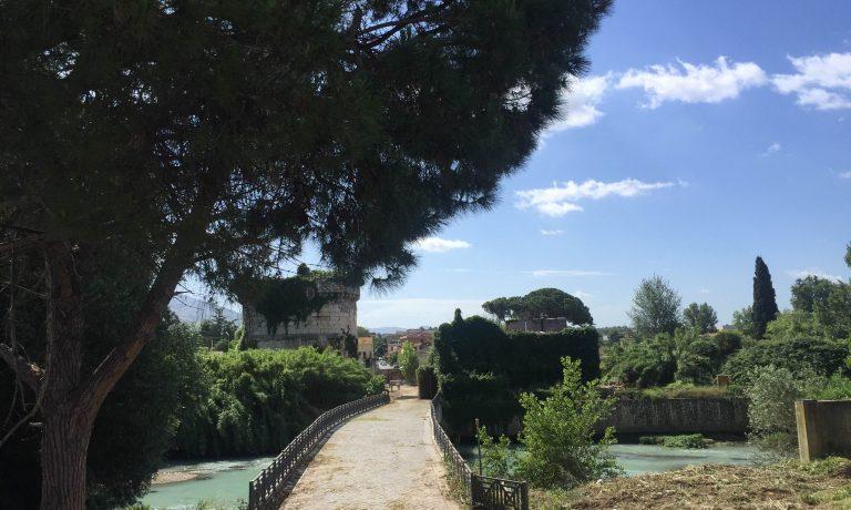 (Italiano) Il Mausoleo dei Plauzi a Tivoli, visite guidate  a cura del FAI